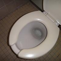 トイレ清掃(県立高校様)のサムネイル