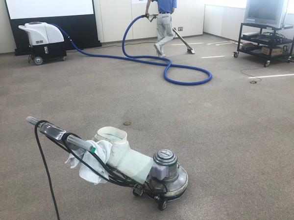 タイルカーペット洗浄に伺いました。高崎市