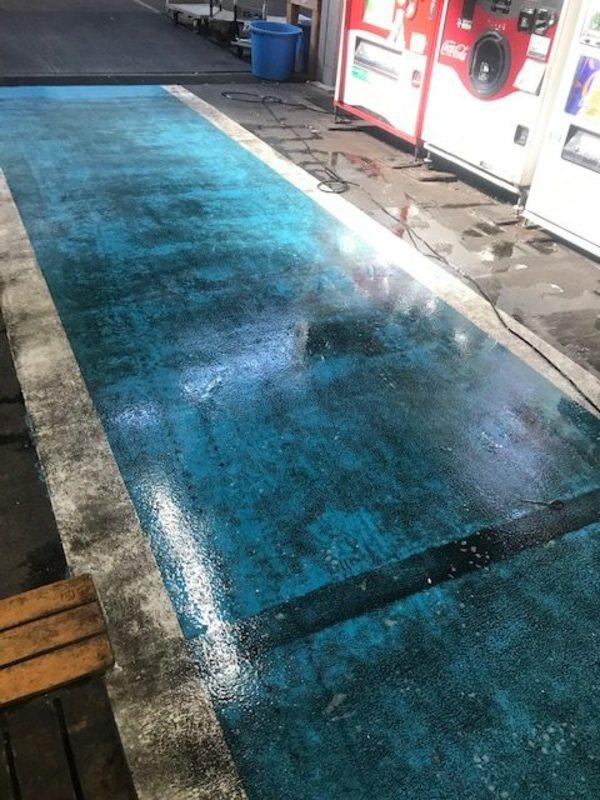 カラー通路の床洗浄 高崎市のお客様